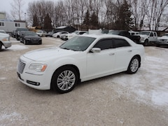 2014 Chrysler 300C AWD 5.7 L hemi loaded Sedan