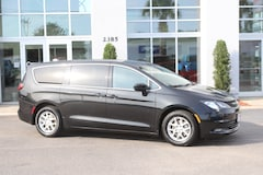 Used Vehicles  2017 Chrysler Pacifica Touring Van Conway, SC