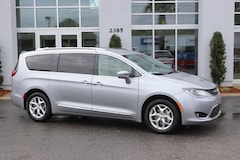 New 2020 Chrysler Pacifica TOURING L Passenger Van in Conway, SC