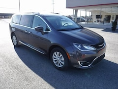 Used 2018 Chrysler Pacifica Touring L Van in Aberdeen, MD