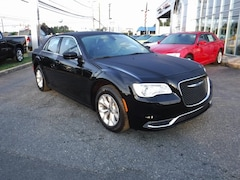 New 2018 Chrysler 300 TOURING Sedan in Aberdeen, MD