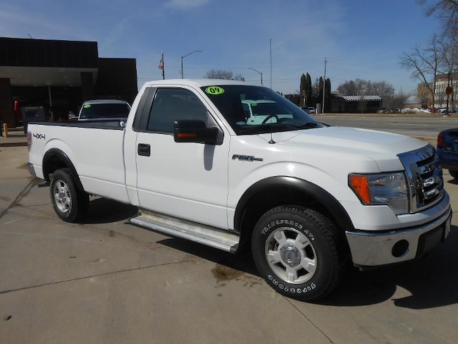 2009 Ford F-150 XLT Regular Cab Truck