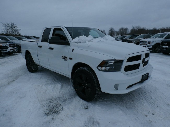 New 2019 Ram 1500 CLASSIC EXPRESS QUAD CAB 4X4 6'4 BOX Quad Cab for Sale in Richfield Springs NY