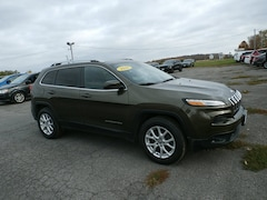 Used 2016 Jeep Cherokee Latitude 4x4 SUV for Sale in Richfield Springs