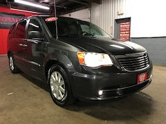 Used 2015 Chrysler Town & Country Touring Van for Sale in Richfield Springs