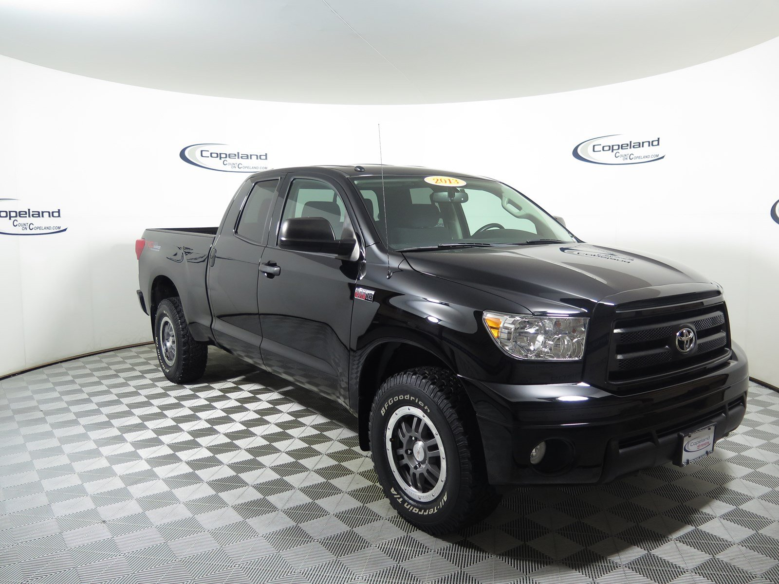 2013 Toyota Tundra 4WD Truck Double Cab V8 Truck