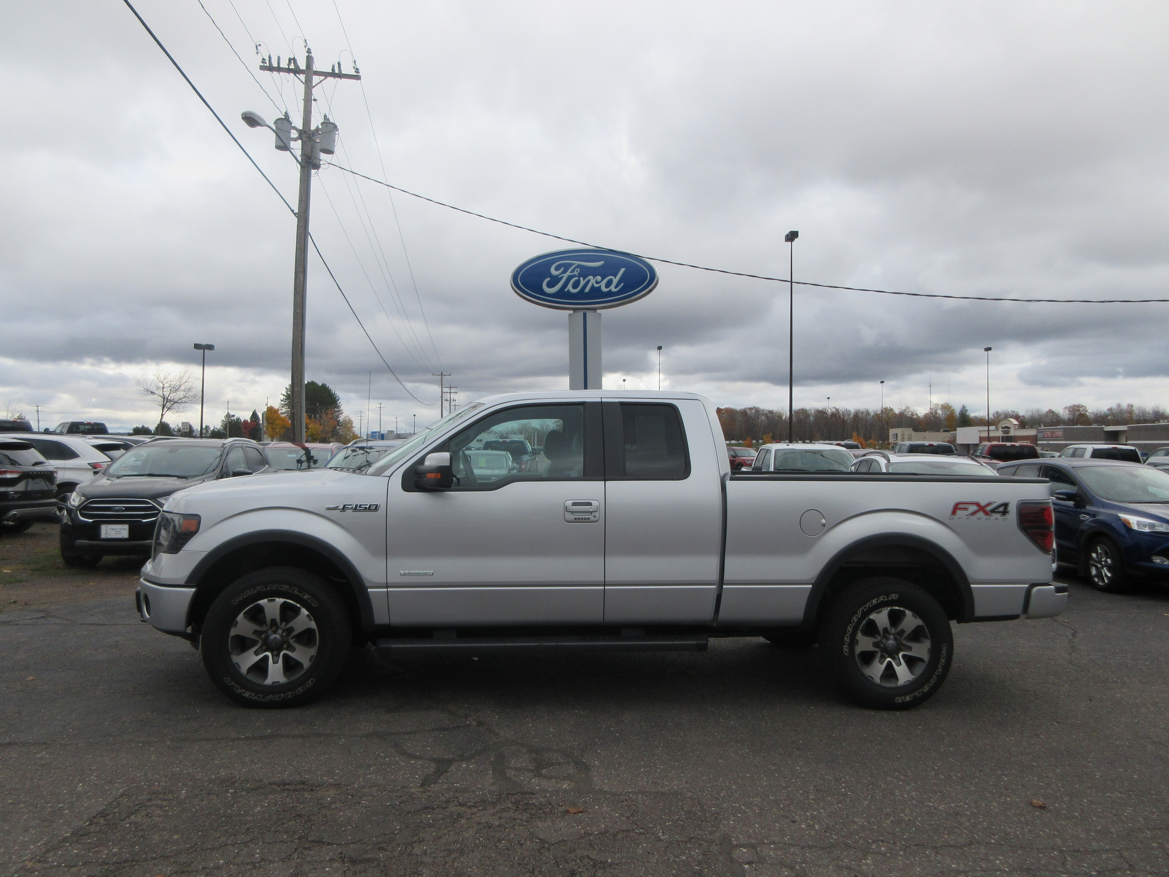 2013 Ford F-150 Lariat Truck SuperCab Styleside