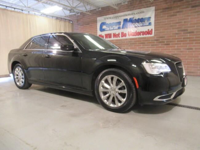2017 Chrysler 300 Limited AWD Limited  Sedan