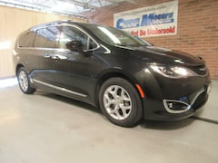 New 2017 Chrysler Pacifica Touring L w/DVD Touring-L  Mini-Van in Tiffin, OH