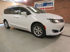 New 2019 Chrysler Pacifica TOURING L Passenger Van in Tiffin, OH