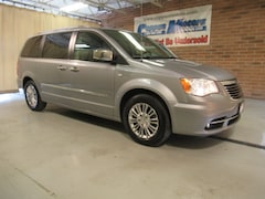 2014 Chrysler Town & Country 30th Anniversary w/Nav 30th Anniversary  Mini-Van