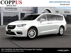 New 2021 Chrysler Pacifica TOURING L AWD Passenger Van in Tiffin, OH