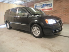 New 2014 Chrysler Town & Country Limited w/Nav/DVD Limited  Mini-Van in Tiffin, OH