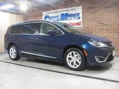 2017 Chrysler Pacifica Touring -L Touring-L Plus  Mini-Van