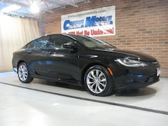 2015 Chrysler 200 S Sedan