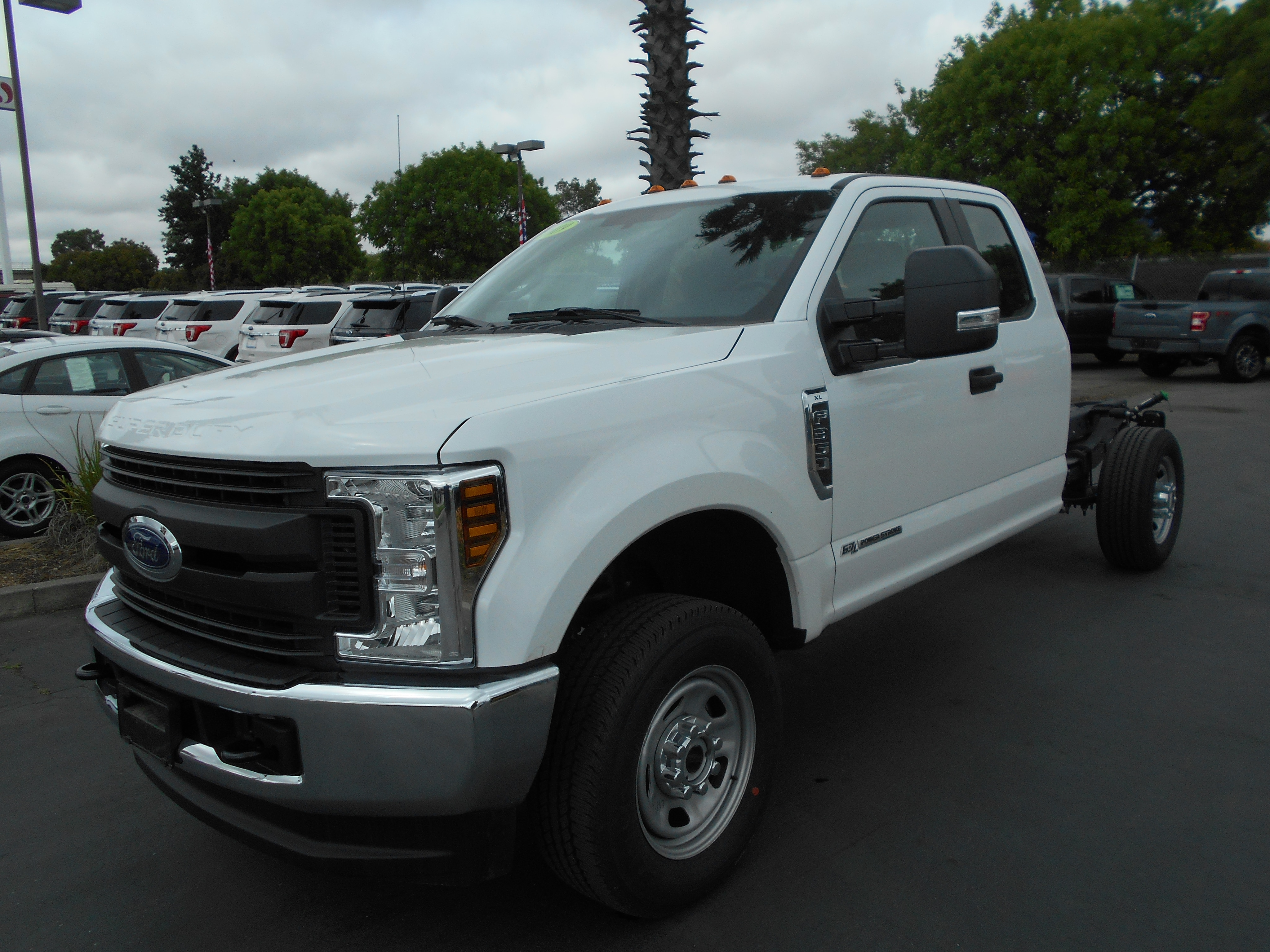 2019 Ford F-350 Chassis SuperCab