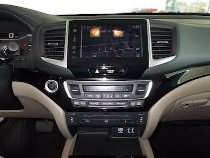 Used 2016 Honda Pilot Touring AWD For Sale | | Coronet Dodge