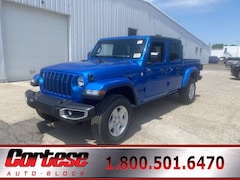 New 2020 Jeep Gladiator SPORT S 4X4 Crew Cab 1C6HJTAG3LL207182 for sale in Rochester, NY