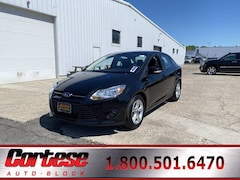 Used 2014 Ford Focus SE Sedan 1FADP3F25EL245234 for sale in Rochester at Cortese Ford