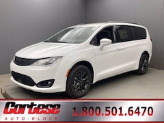 New 2020 Chrysler Pacifica AWD LAUNCH EDITION Passenger Van 2C4RC3BG6LR268121 Rochester, NY