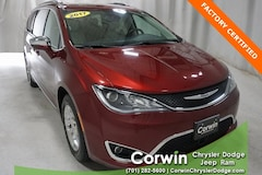 Certified Pre-Owned 2017 Chrysler Pacifica Limited Van dealer in Fargo - inventory