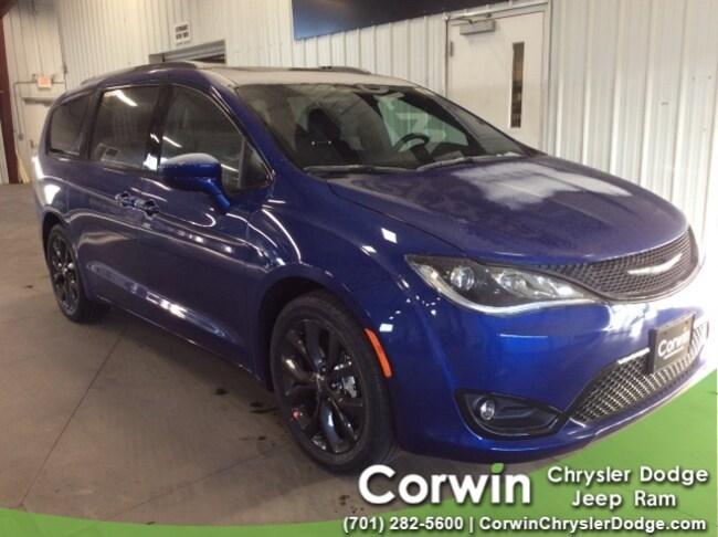 For Sale in Fargo: New 2019 Chrysler Pacifica TOURING L PLUS Passenger Van