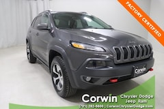Certified Pre-Owned 2018 Jeep Cherokee Trailhawk 4x4 SUV dealer in Fargo - inventory
