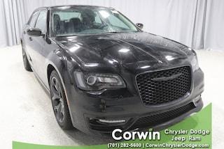 New 2020 Chrysler 300 TOURING L Sedan dealer in Fargo ND - inventory
