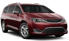 New 2019 Chrysler Pacifica LIMITED Passenger Van 2C4RC1GG2KR652893 for sale in Springfield, MO