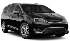 New 2019 Chrysler Pacifica LIMITED Passenger Van 2C4RC1GG4KR652894 for sale in Springfield, MO