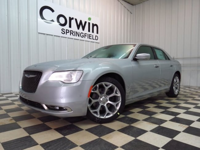New 2019 Chrysler 300 C Sedan Springfield, MO