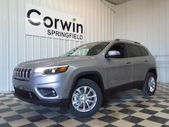 New 2019 Jeep Cherokee LATITUDE 4X4 Sport Utility 1C4PJMCB0KD334816 for sale in Springfield, MO