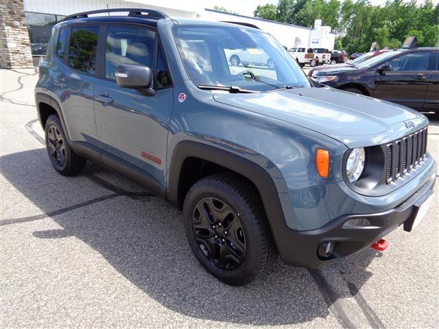 2018 Jeep Renegade Trailhawk Full Size SUV