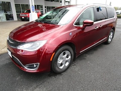 New 2020 Chrysler Pacifica Hybrid TOURING L Passenger Van for Sale in Cottage Grove, OR