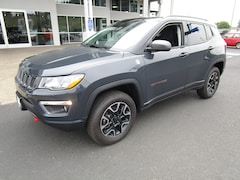 New 2018 Jeep Compass TRAILHAWK 4X4 Sport Utility 3C4NJDDB7JT480919 for Sale in Cottage Grove, OR