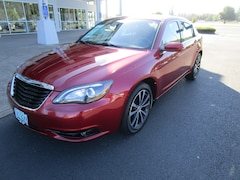 Used 2013 Chrysler 200 Limited Sedan 1C3CCBCG7DN700099 for Sale in Cottage Grove