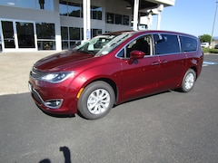 New 2019 Chrysler Pacifica TOURING PLUS Passenger Van 2C4RC1FG3KR746833 for Sale in Cottage Grove, OR