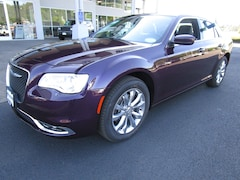 New 2020 Chrysler 300 TOURING L AWD Sedan LH164639 for Sale in Cottage Grove, OR