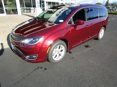 New 2020 Chrysler Pacifica 35TH ANNIVERSARY TOURING L PLUS Passenger Van for Sale in Cottage Grove, OR