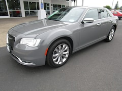 Used 2018 Chrysler 300 Limited Sedan 2C3CCAKG2JH231598 for Sale in Cottage Grove