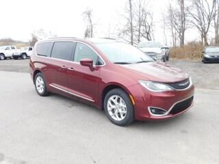 New 2020 Chrysler Pacifica TOURING L Passenger Van for sale in Clarksburg, WV
