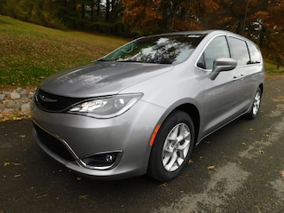 2019 Chrysler Pacifica TOURING PLUS Passenger Van in Clarksburg WV