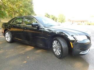 2019 Chrysler 300 TOURING L AWD Sedan in Clarksburg WV