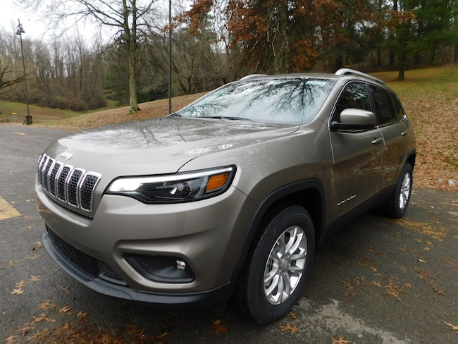 New 2019 Jeep Cherokee LATITUDE 4X4 Sport Utility For Sale Clarksburg, West Virginia