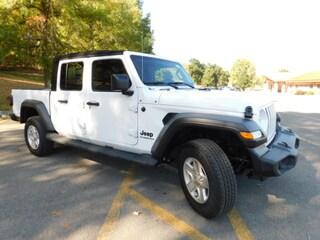 2020 Jeep Gladiator SPORT S 4X4 Crew Cab in Clarksburg WV