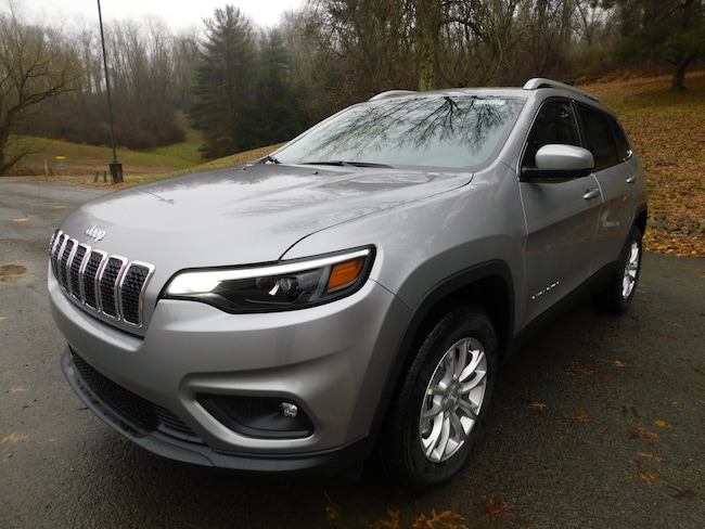 New 2019 Jeep Cherokee LATITUDE 4X4 Sport Utility For Sale Clarksburg, West Virginia