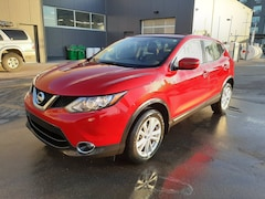 2018 Nissan Qashqai SV + ROOF | HTD SEATS | *GREAT DEAL* SUV
