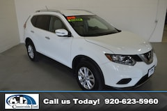 2016 Nissan Rogue AWD  SV in Columbus, WI