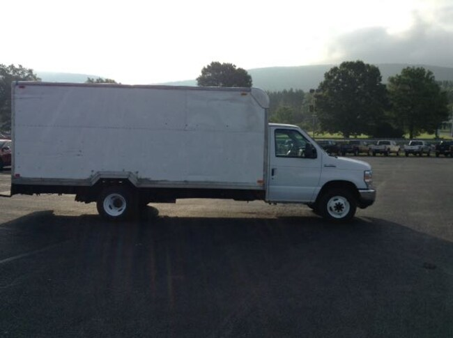 2011 Ford Econoline Commercial Cutaway Chassis Truck