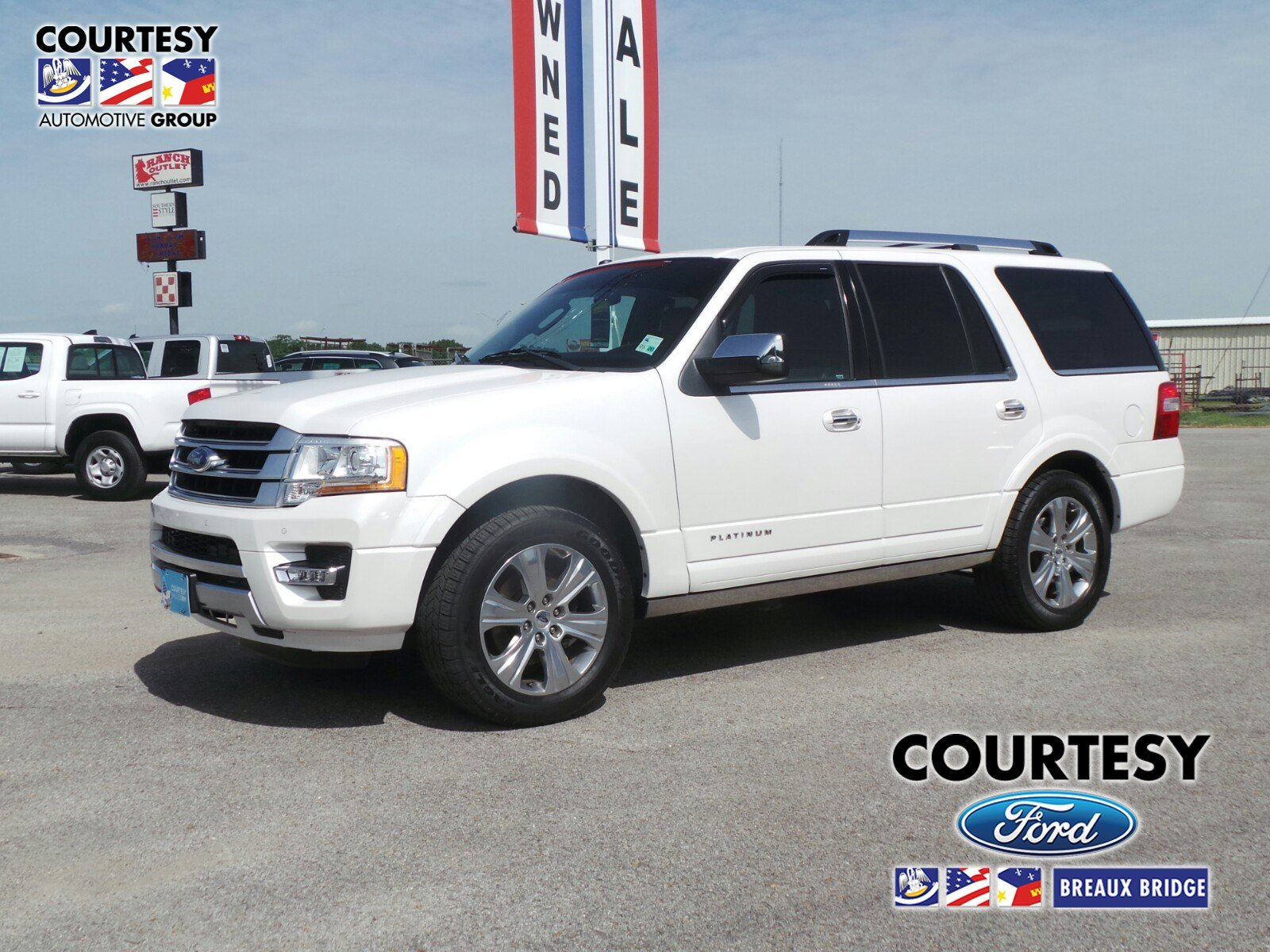 2015 Ford Expedition Platinum 2WD  Platinum